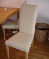 Gebrauchter Tisch Mit 4 Weiße Stühle Günstig